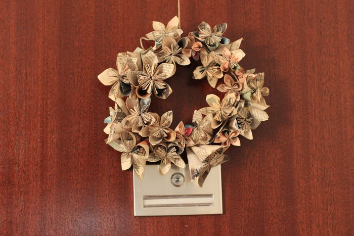 Folded_flowers_wreath