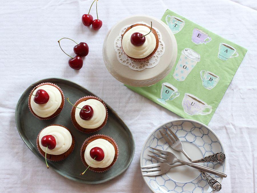 cherry_cupcakes_above