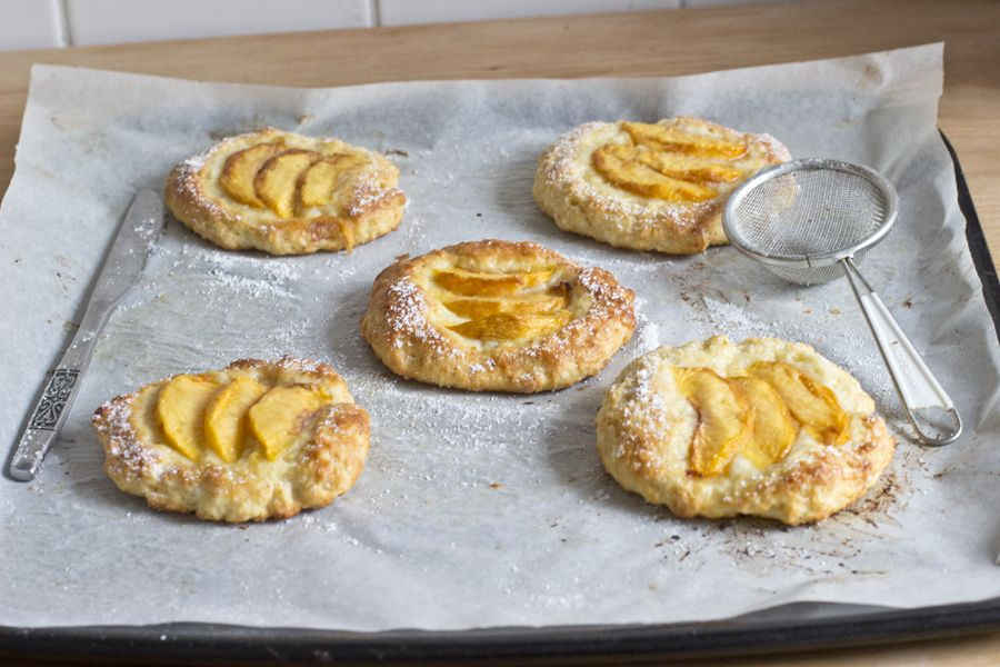 peach-tartlets-baked