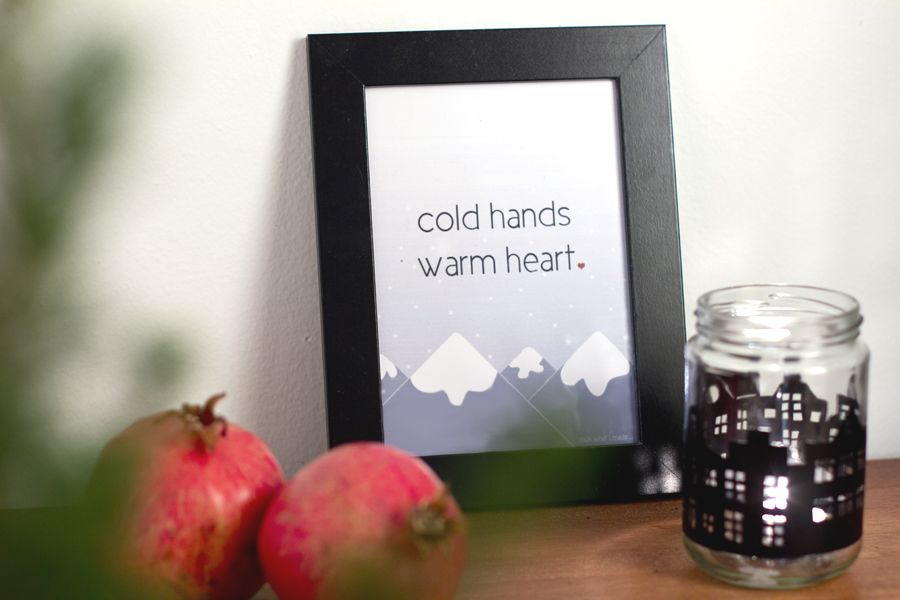 colds-hands-winter-picture-frame