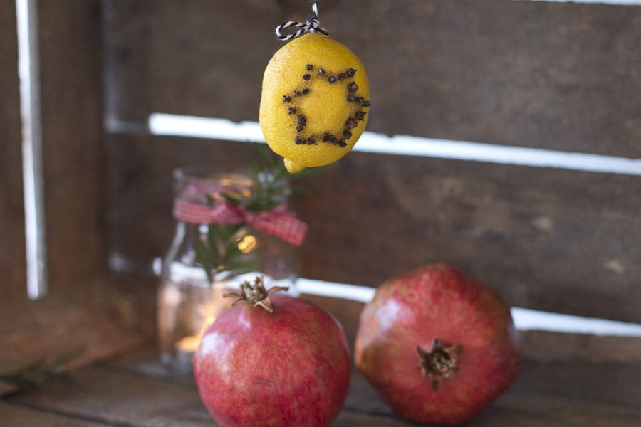 pomegranat-lemon-cloves-christmas-decoration