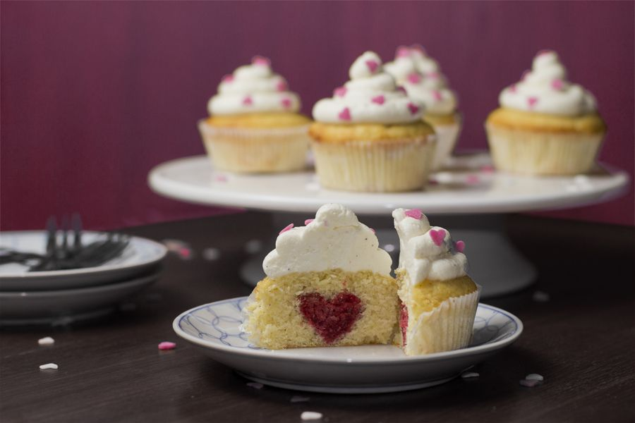 Valentine-love-heart-cupcakes-recipe