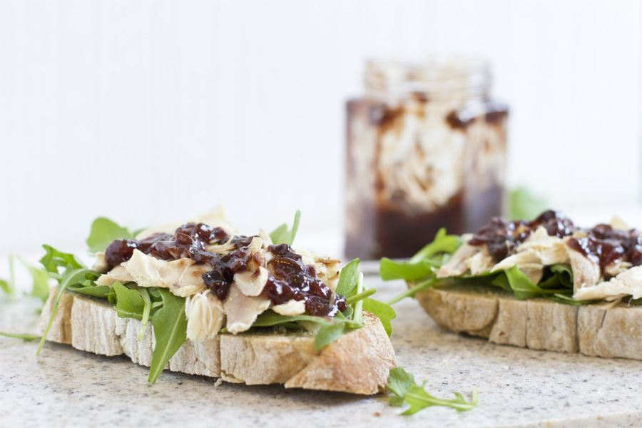 strawberry-chutney-rucola-chicken-sandwich