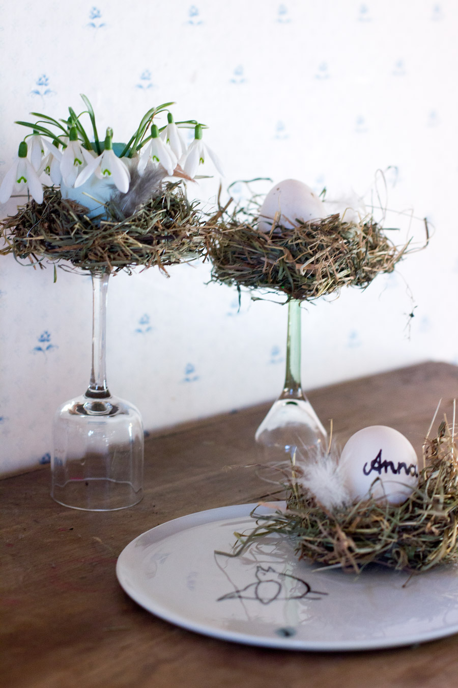 DIY easter hay nest table decoration