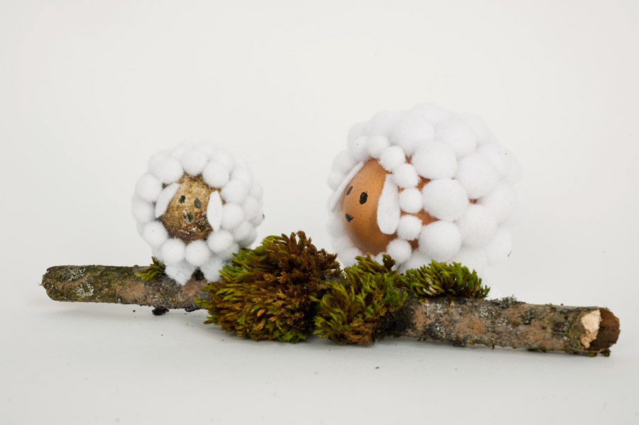 DIY sheep out of egg and pompoms