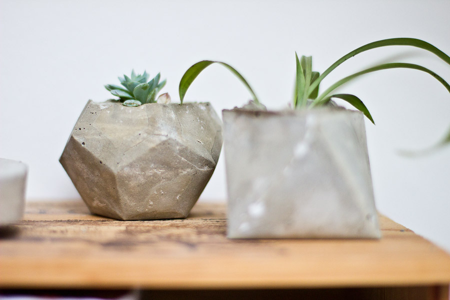 DIY-geometrical-planter-succulents
