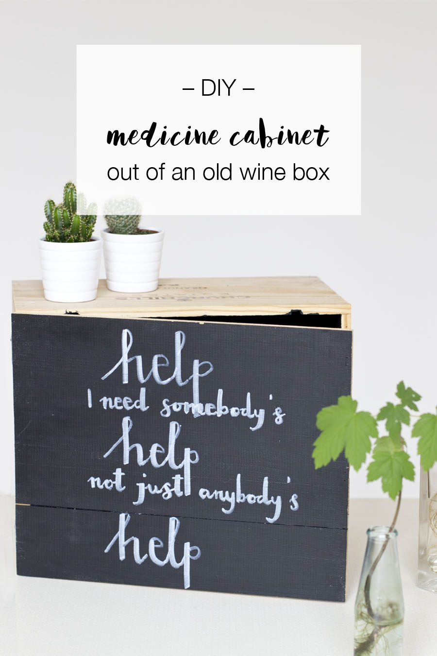 DIY-medicine-cabinet-out-of-a-upcycled-wine-box