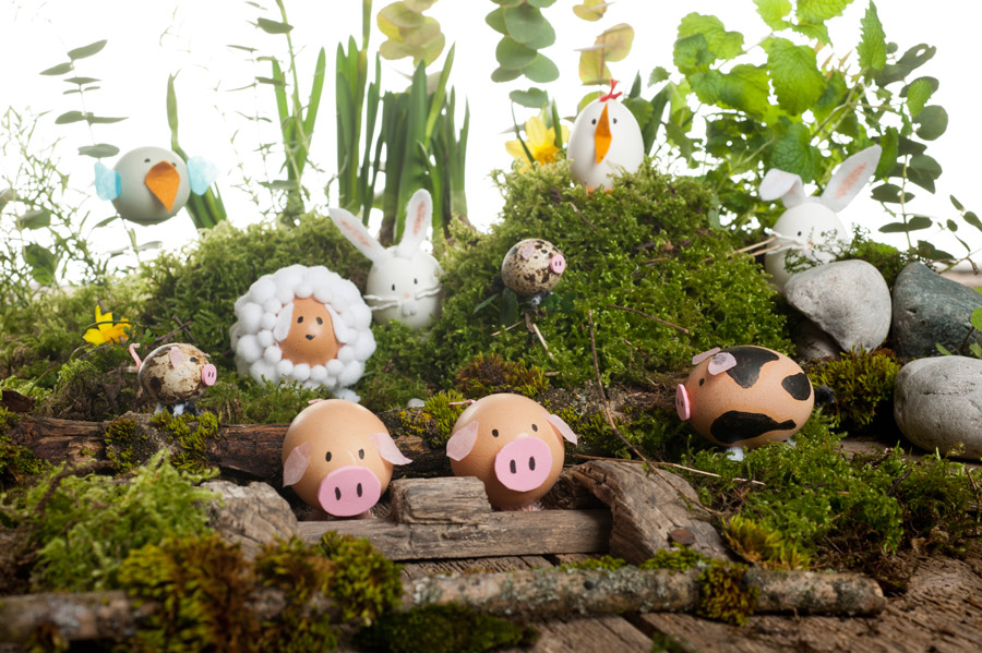 Make yourself these cute Easter egg animals as cute decoration for your home.