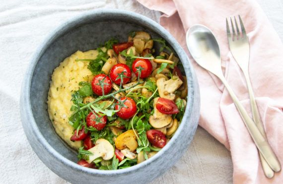 Home Office Lunch: Polenta with mushrooms and tomatoes
