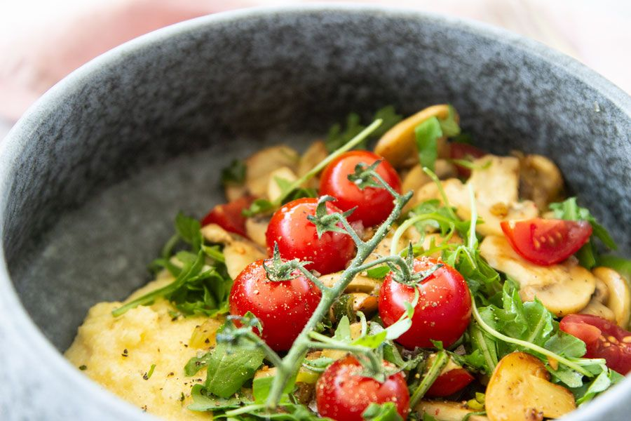 Home office lunch: Polenta with mushrooms and tomatoes | LOOK WHAT I MADE ...