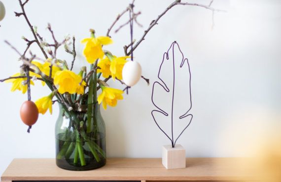 Minimalistic Easter DIY: Feather from Wire