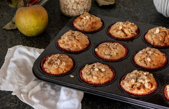 Apple & oats muffins
