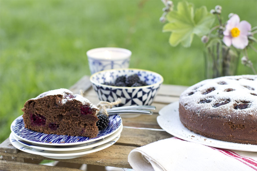 Blackberry chocolate cake recipe | LOOK WHAT I MADE ...