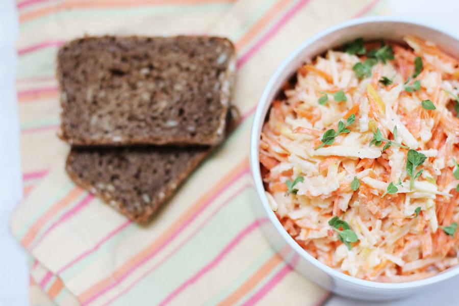 carrot-apple-salad-sourcream