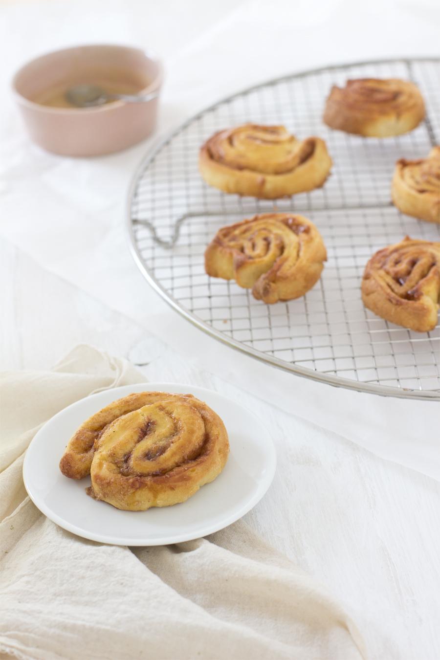 Cinnamon rolls with Espresso glazing recipe   LOOK WHAT I MADE ...