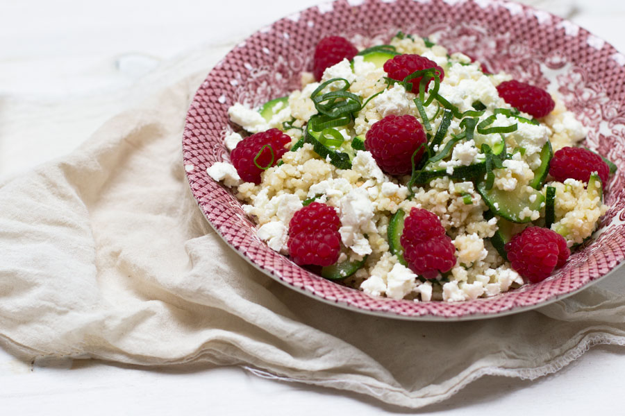 Home Office Lunch: couscous with zucchini, raspberry and feta