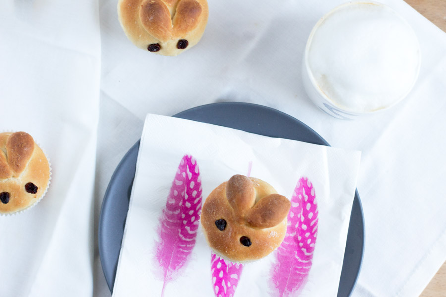 Make this cute brioche bunnies for your Easter brunch of breakfast