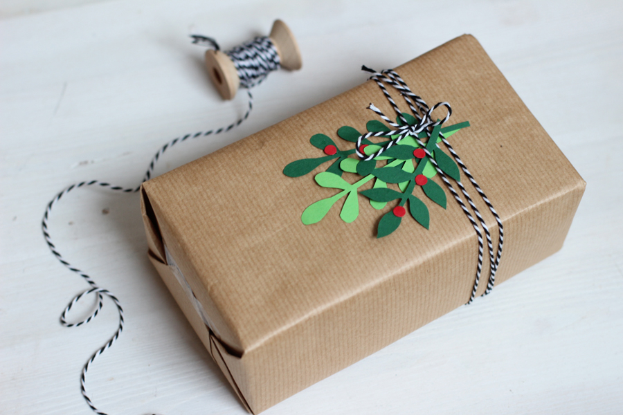 DIY paper christmas packaging (with free printable) | LOOK WHAT I ...