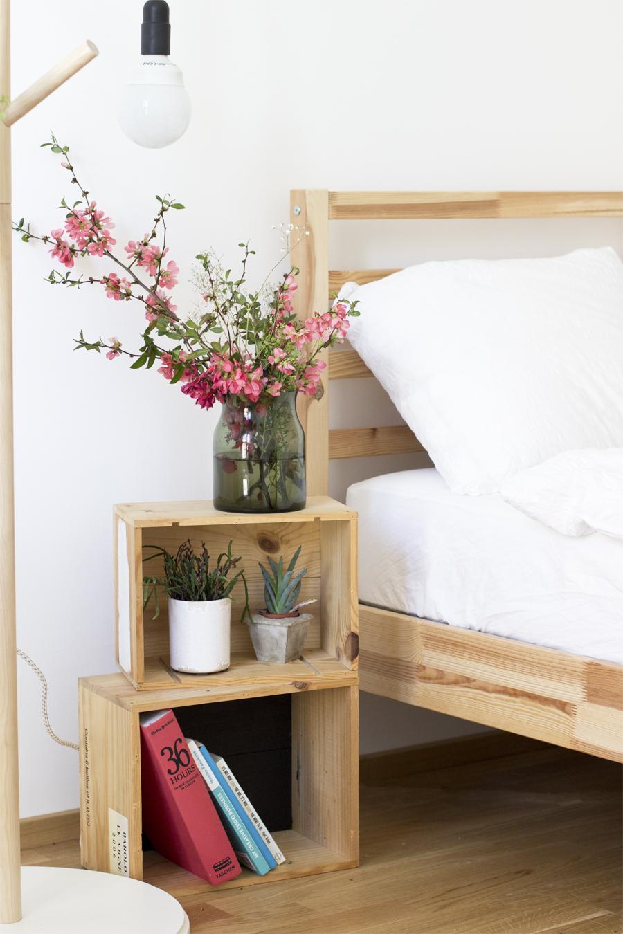 diy-wine-crates-decor-spring-plants