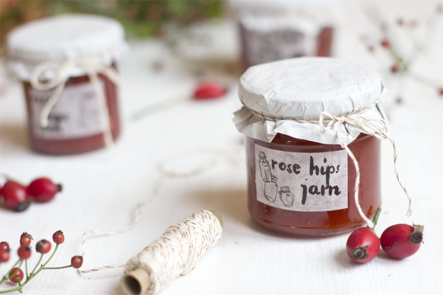 Look what i made a handcrafted life is a happy life - What to do with rosehips jelly and vinegar ...