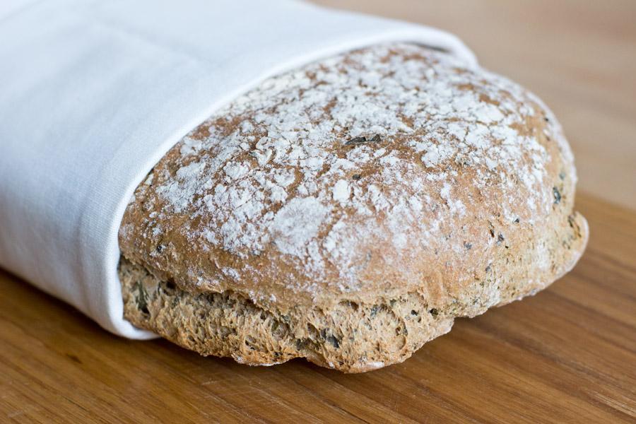 freshly-baked-wild-garlic-bread-recipe