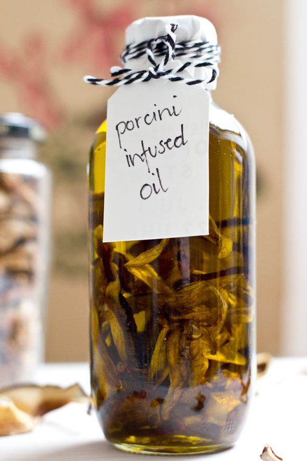 handmade-porcini-infused-oil