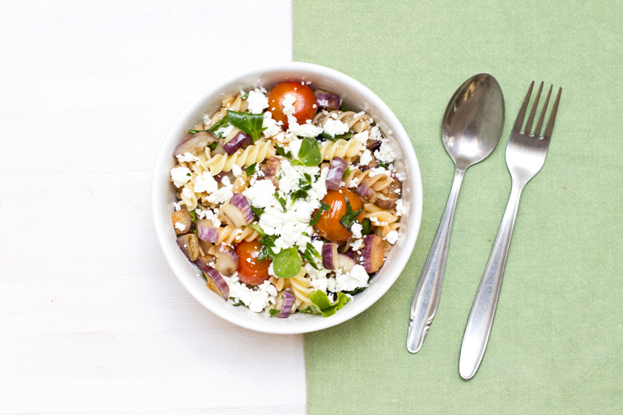 For an easy and quick office lunch whip up this delicious and healthy eggplant pasta salad | full recipe on the blog