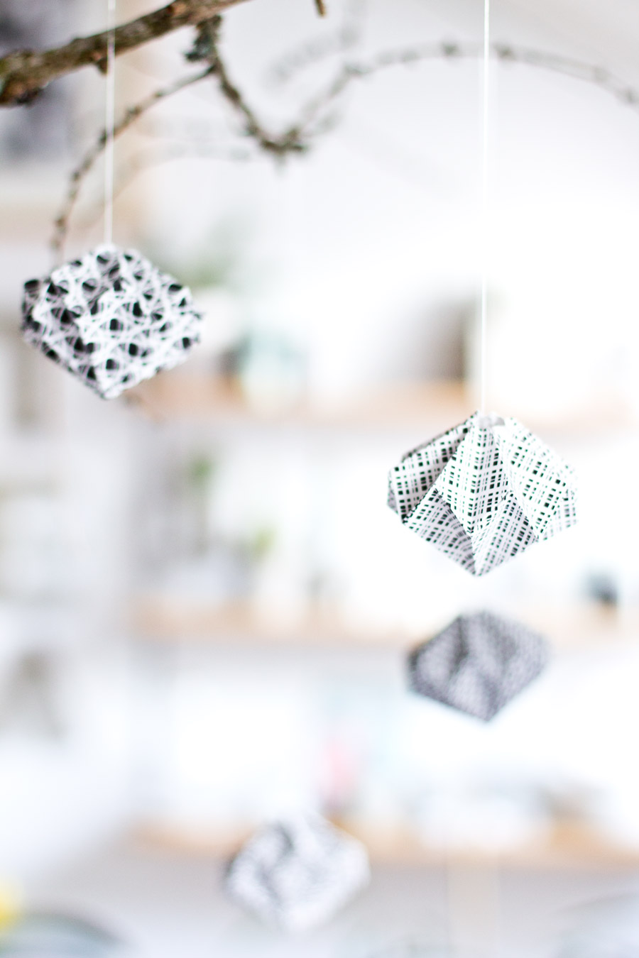 origami-paper-diamonds-bubbles-decoration