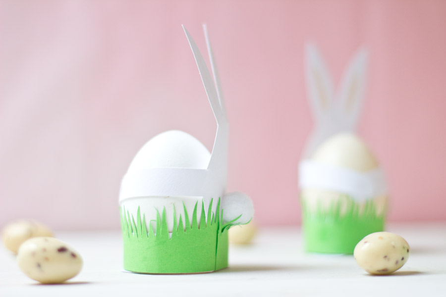 Paper bunnies with cute pompom tail tutorial
