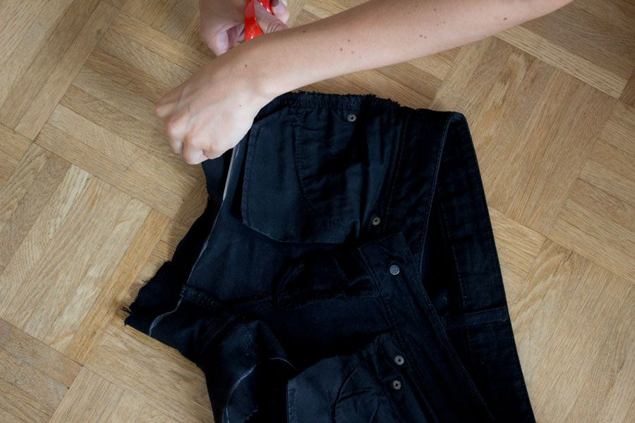 how to make the perfect cut off jeans shorts | easy step-by-step DIY tutorial