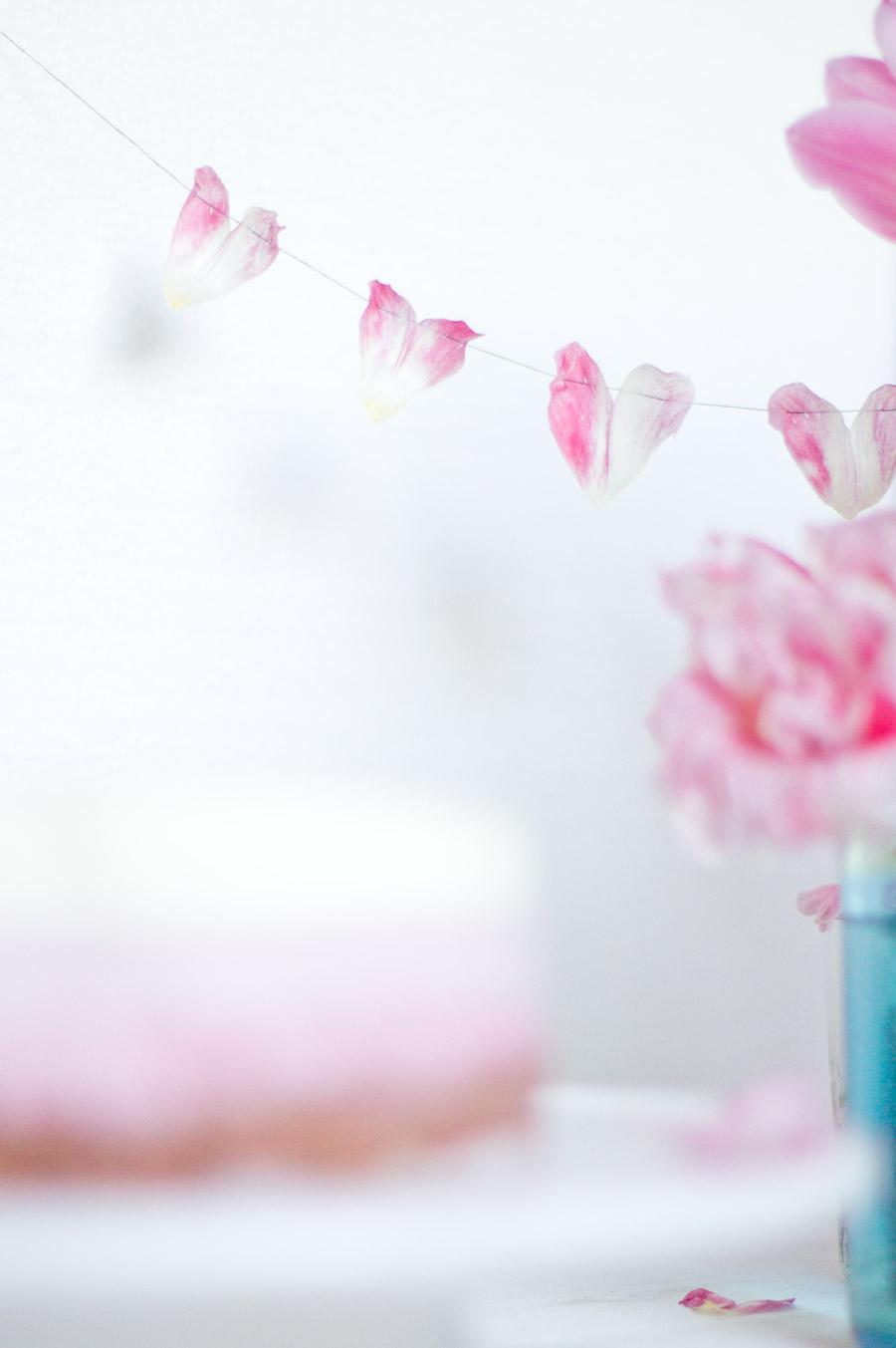 pink tulip pebbels hearts decoration