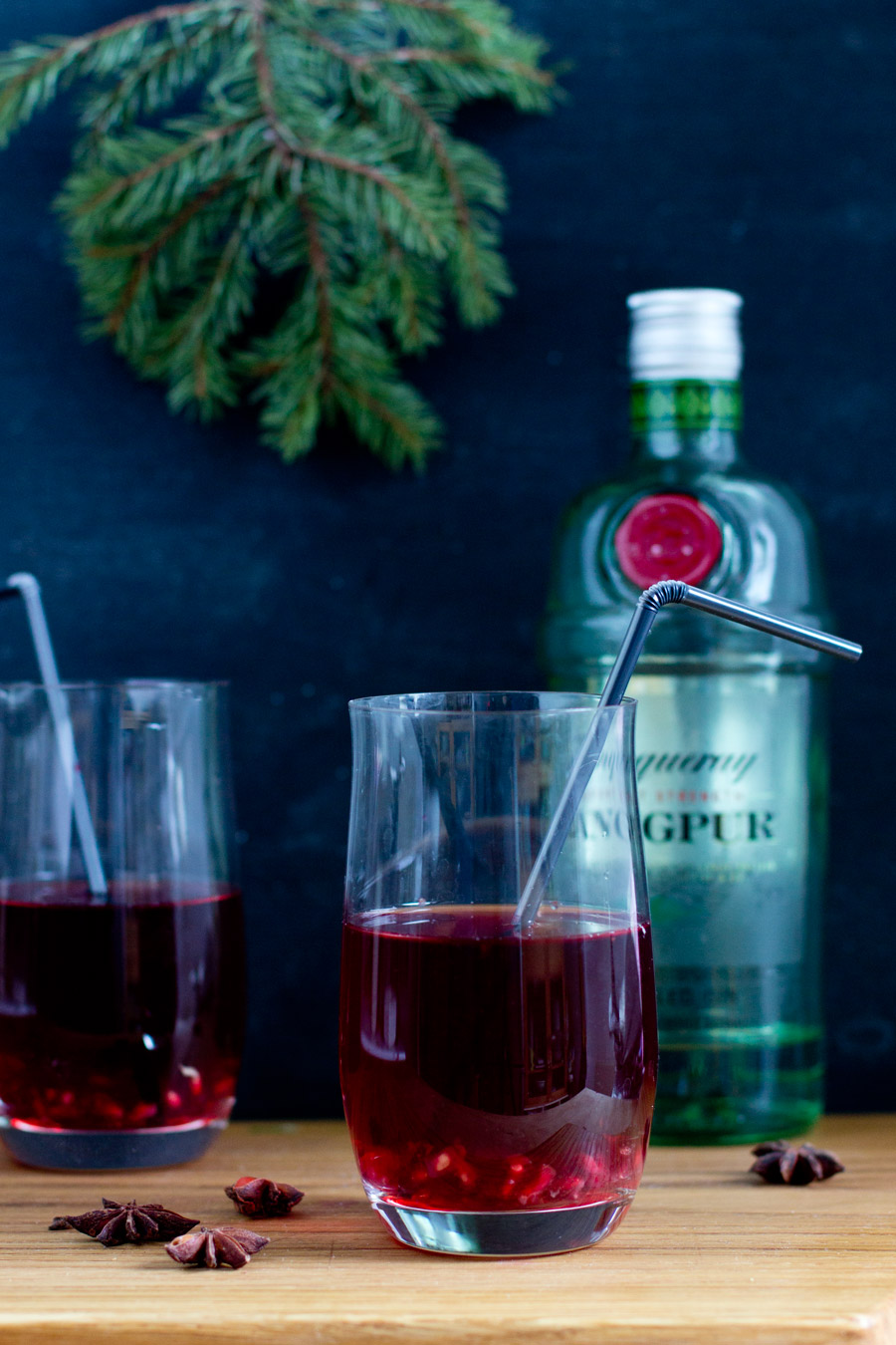 pomegranate-gin-christmas-cocktail