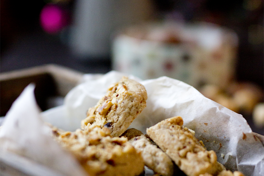 Easy christmas cookies: roasted hazelnut squares | LOOK WHAT I MADE ...