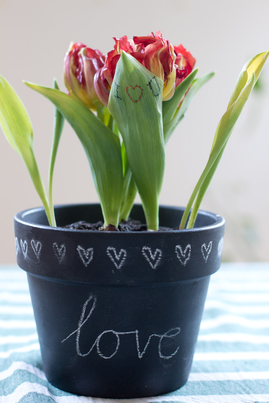 Easy Valentine's Day gift where the flower does all the talking: embroidered tulip leaf!