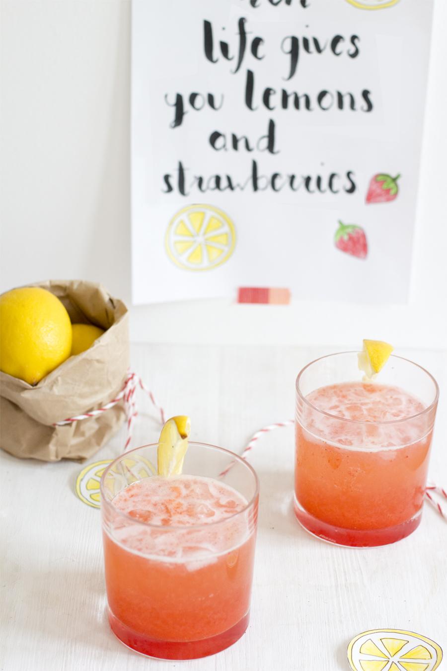 Fresh lemon strawberry juice | LOOK WHAT I MADE ...